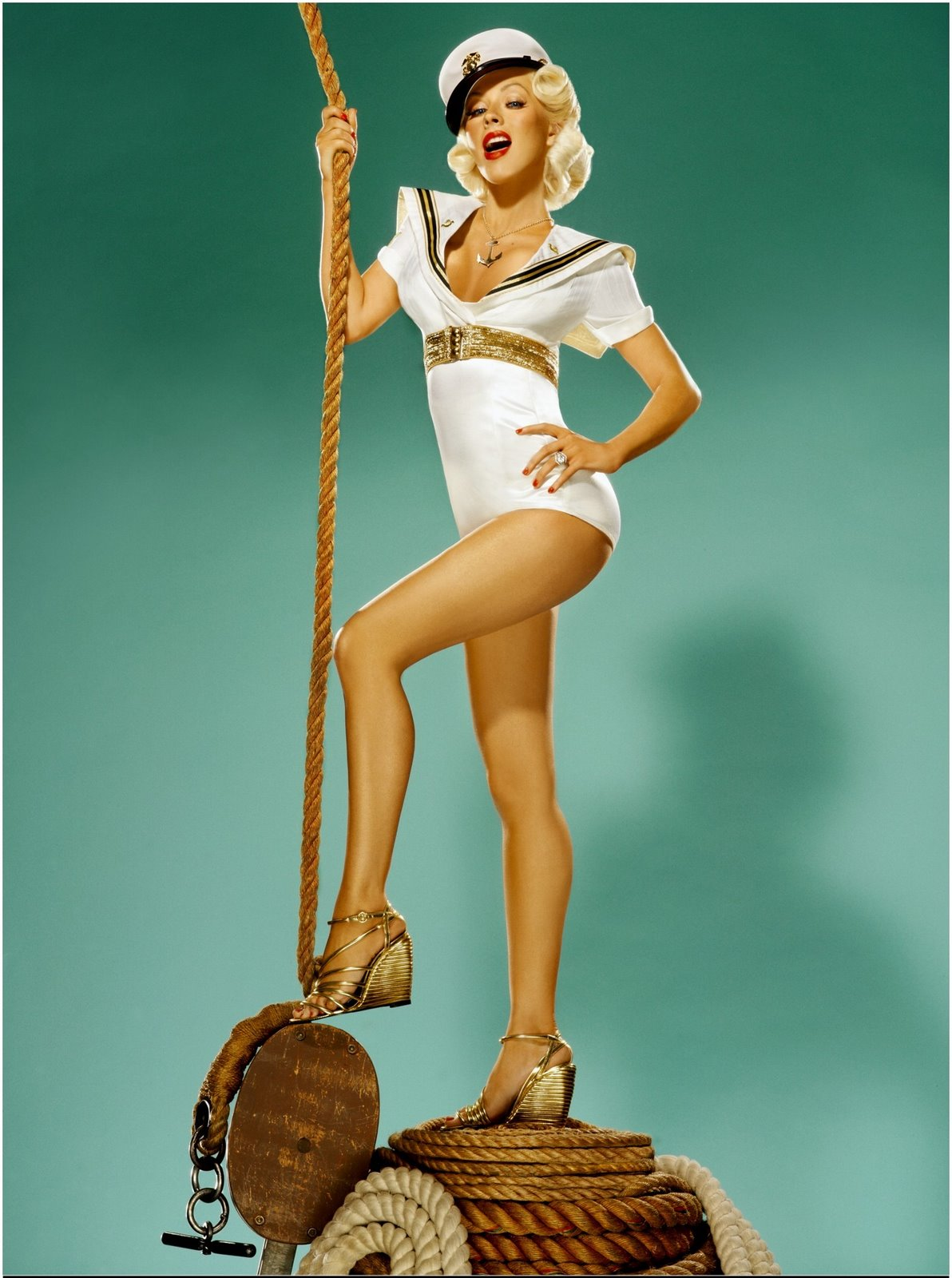 Christina Aguilera Rolling stone photoshoot 01 Celebrate the 4th of July Pin up Style!
